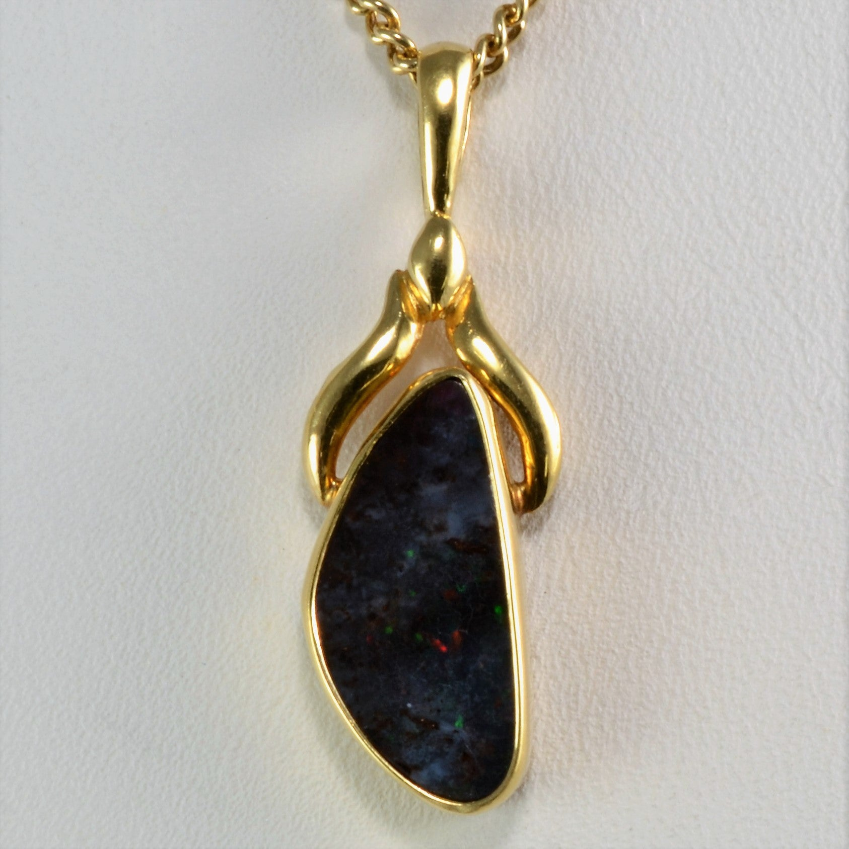 boulder diamonds gold direct pendant product nz australian opal front