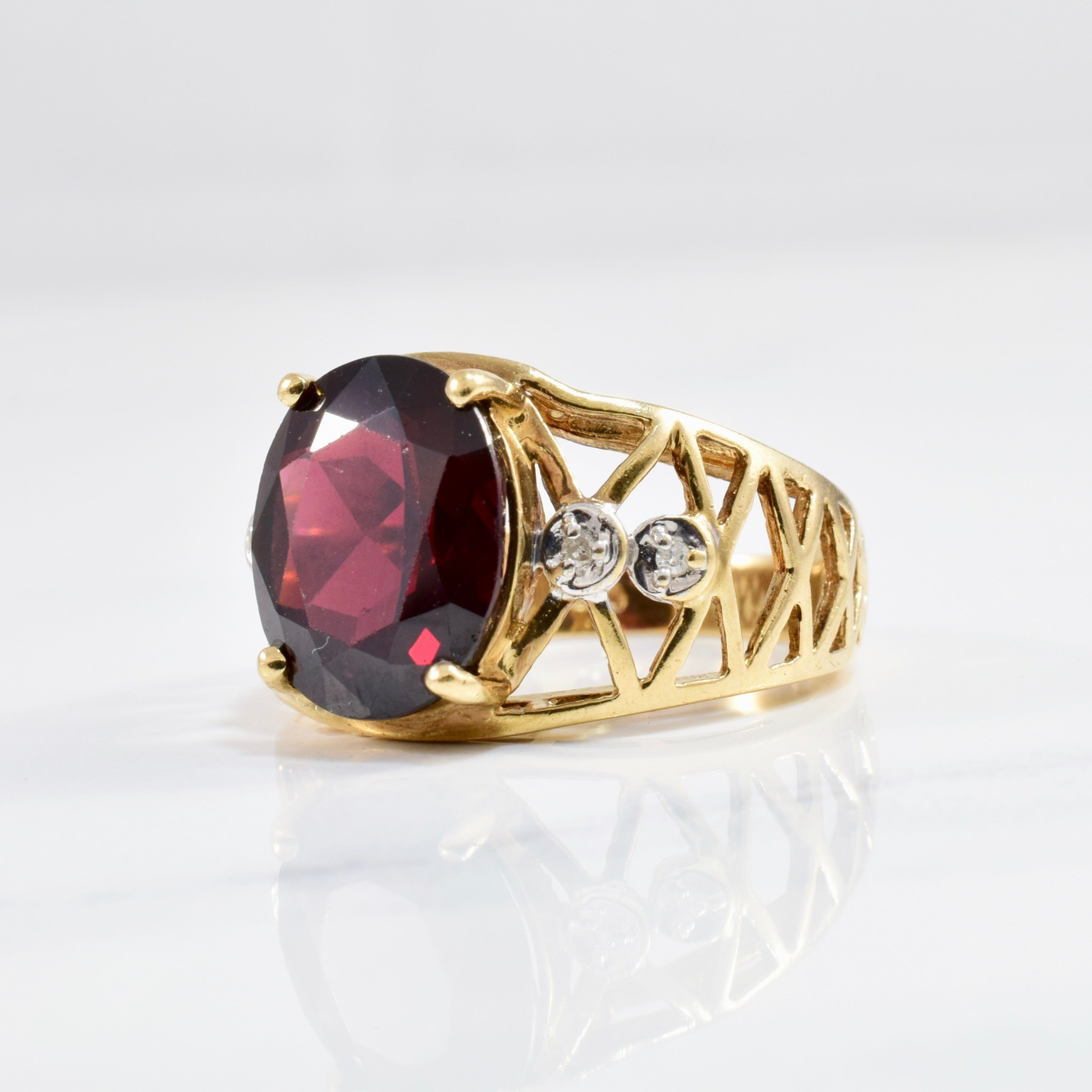 Open Work Oval Garnet & Diamond Ring | 0.02 ctw SZ 6.25 |