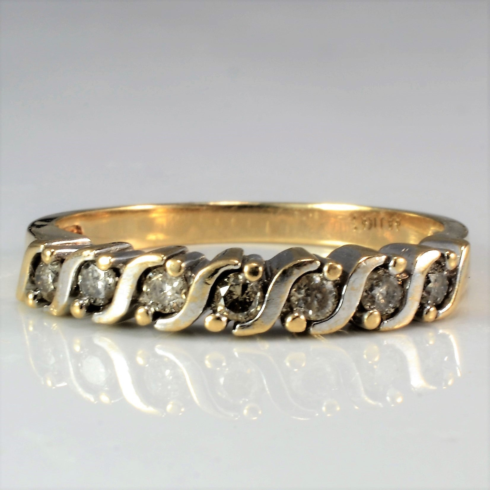 Twisted Diamond Band | 0.25 ctw, SZ 6.75 |