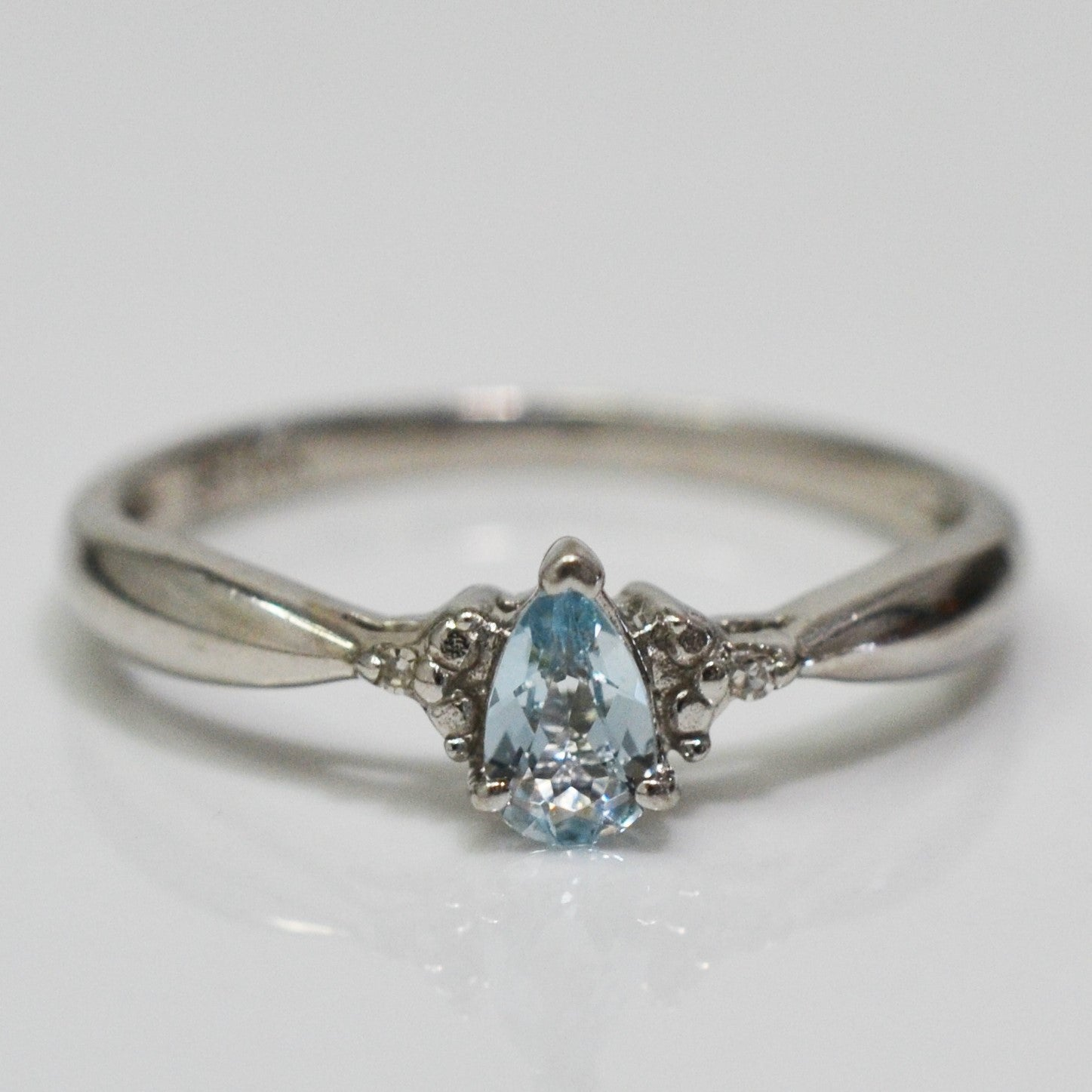 Pear Cut Aquamarine & Diamond Ring | 0.01 ctw, SZ 5.5 |
