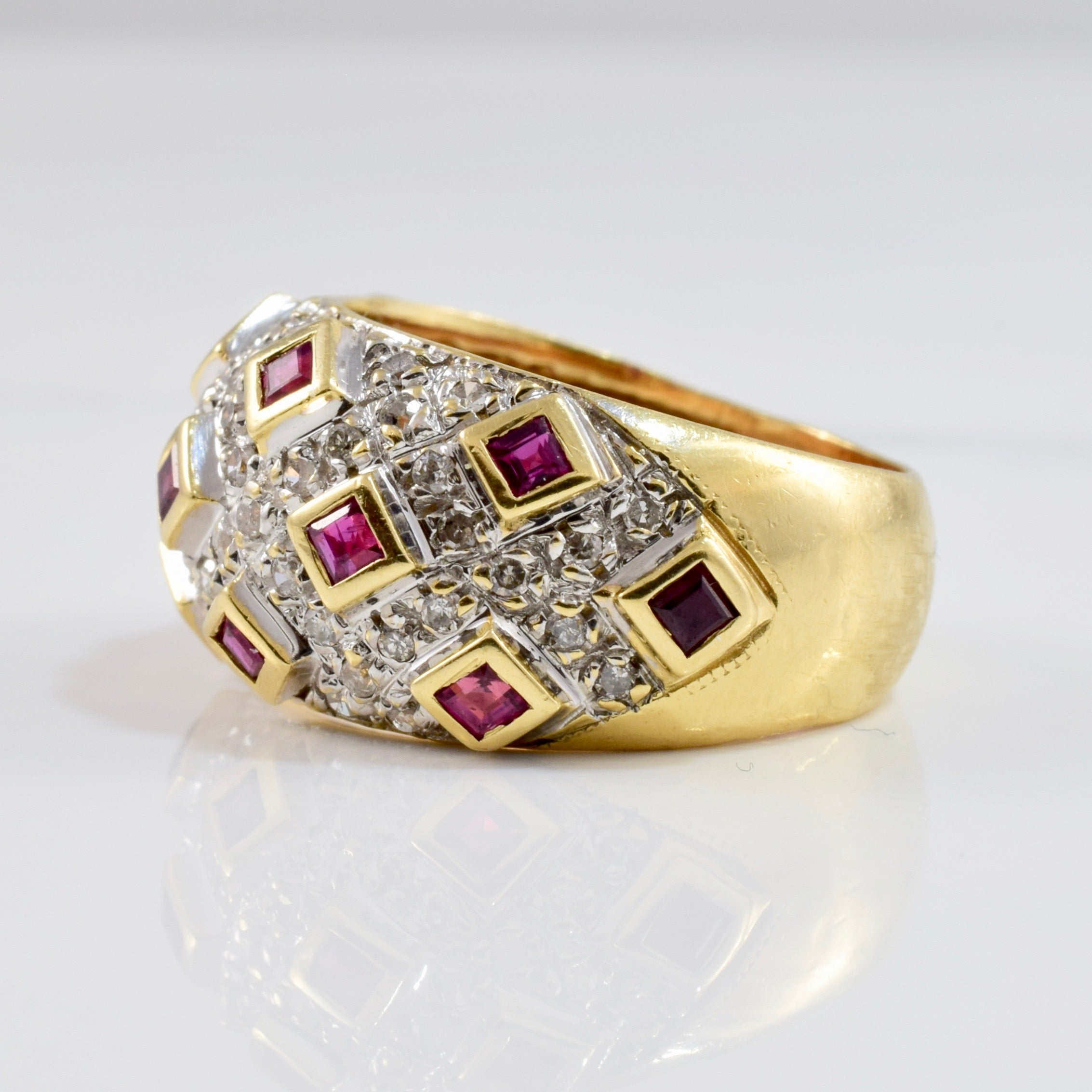 Diamond Cluster and Bezel Set Ruby Ring | 0.27 ctw SZ 6.25 |