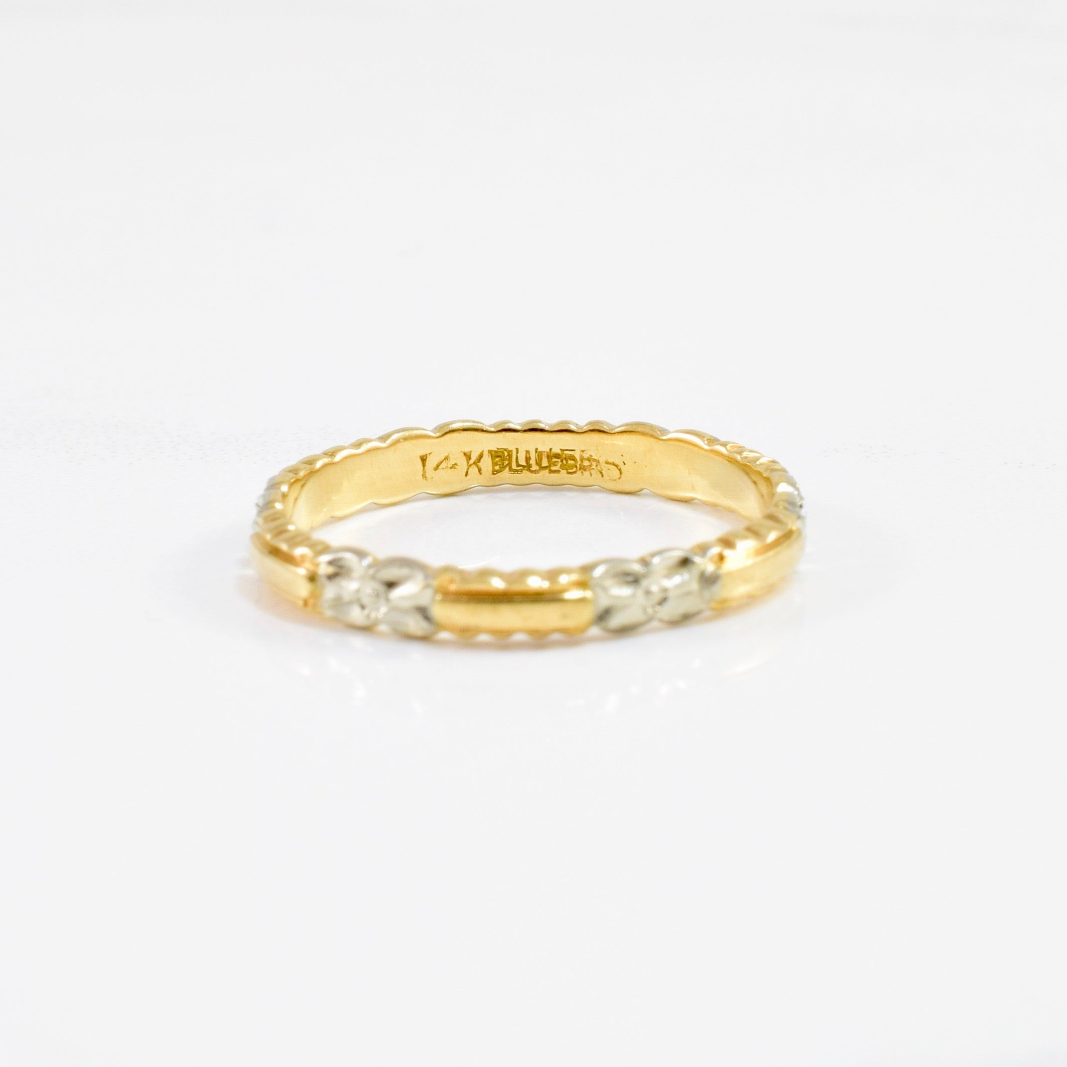 1930's Two Tone Gold Band | SZ 6 |