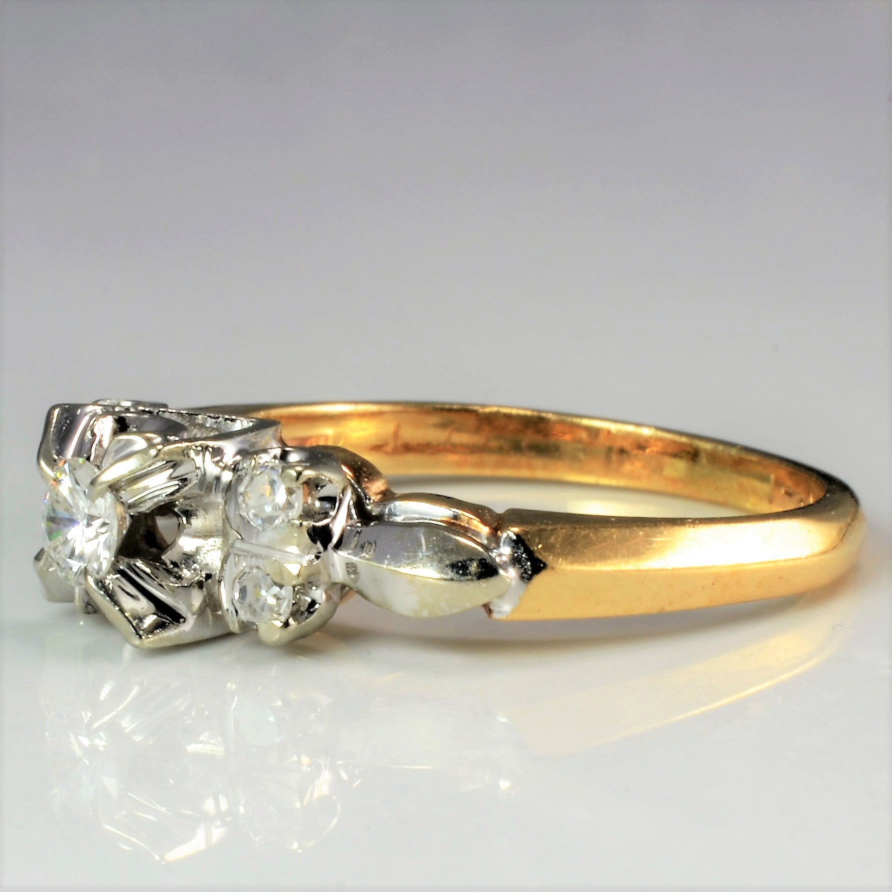 Retro Two Tone Gold Diamond Ring | 0.17 ctw, SZ 5.5 |