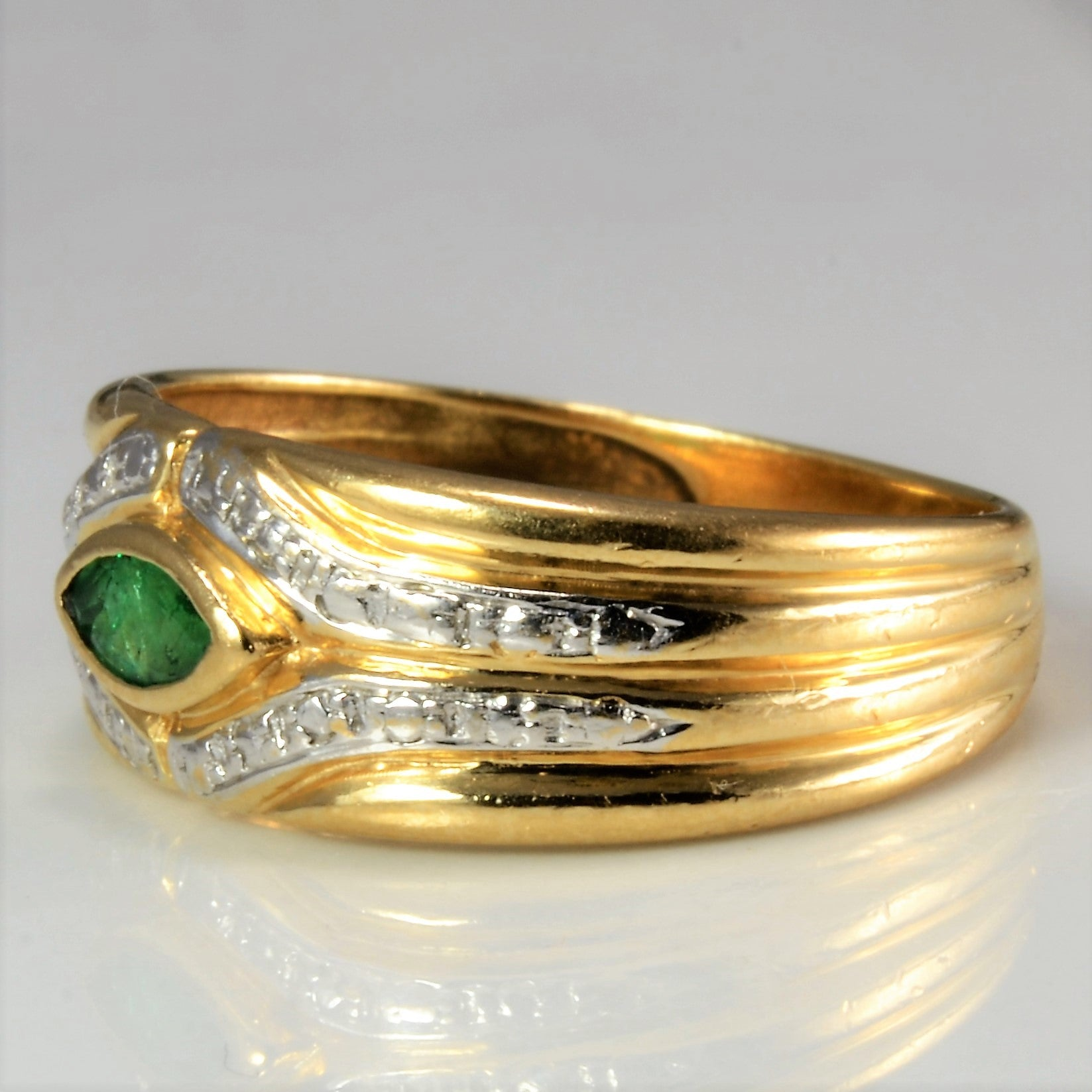 Bezel Set Emerald Ring | SZ 6 |