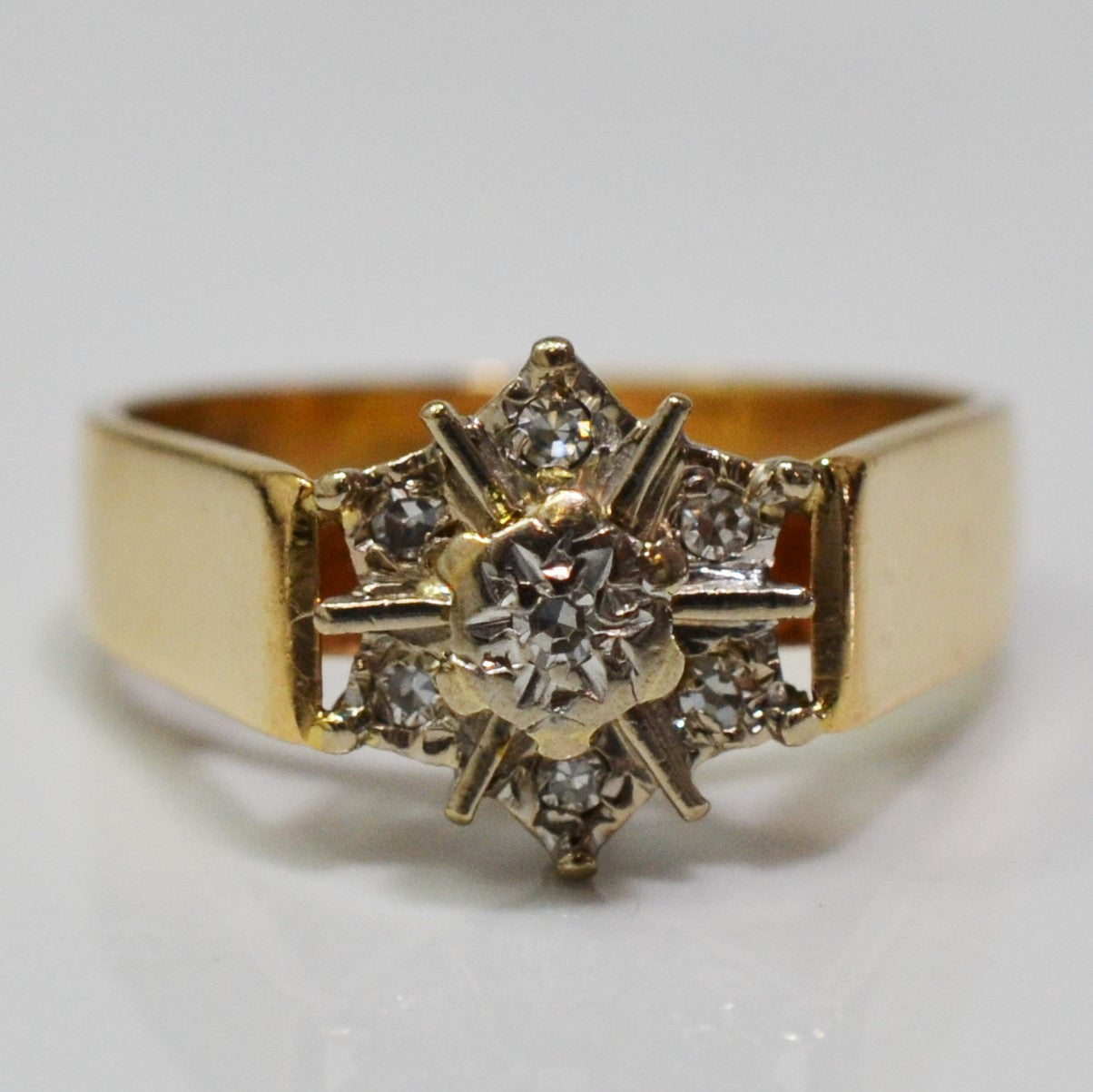 Vintage Six Point Diamond Cluster Ring | 0.08 ctw, SZ 5.5 |
