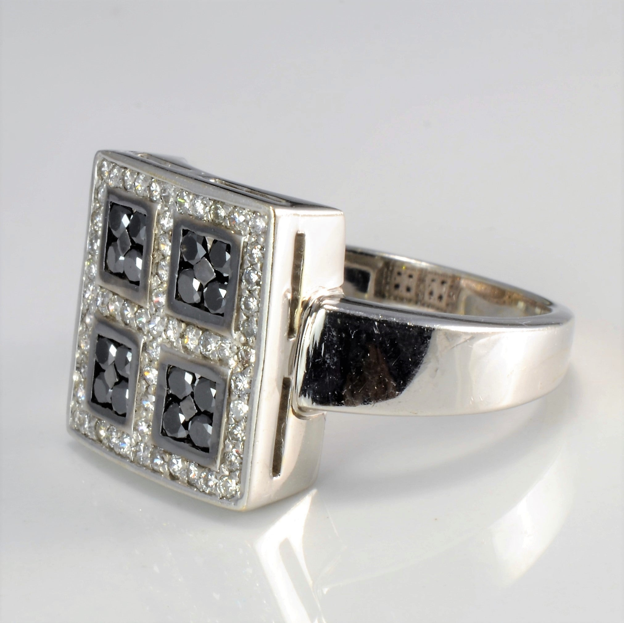 Grid Set Cluster Diamond Ring | 0.73 ctw, SZ 7.75 |