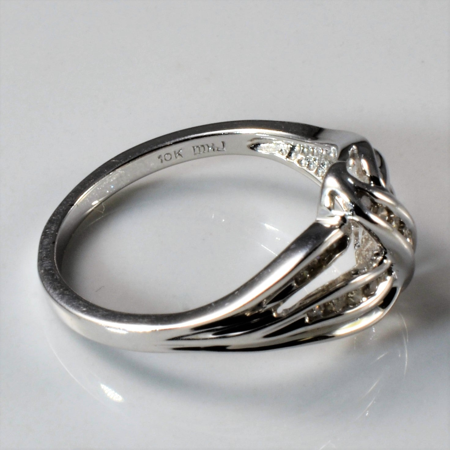 White Gold Twisted Knot Diamond Ring | 0.15ctw | SZ 8 |
