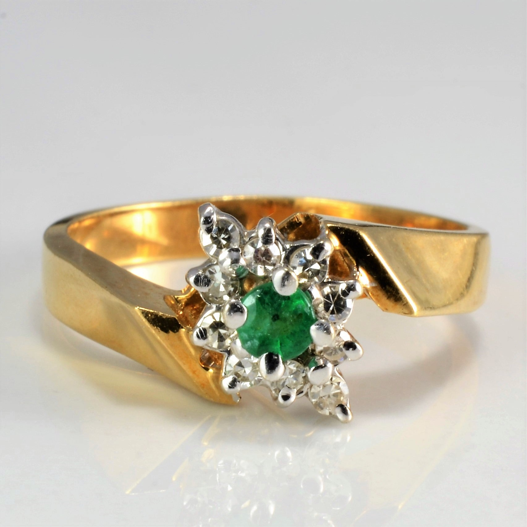 Bypass Cluster Diamond & Emerald Ring | 0.14 ctw, SZ 6.5 |