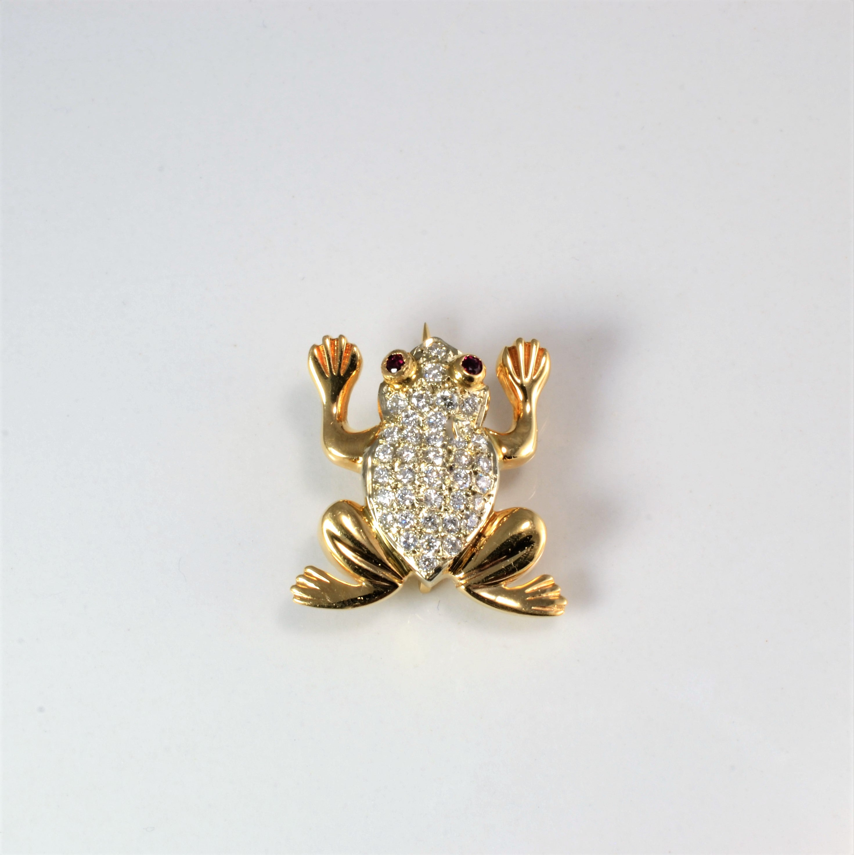 Cluster Diamond Frog Brooch | 0.34 ctw |