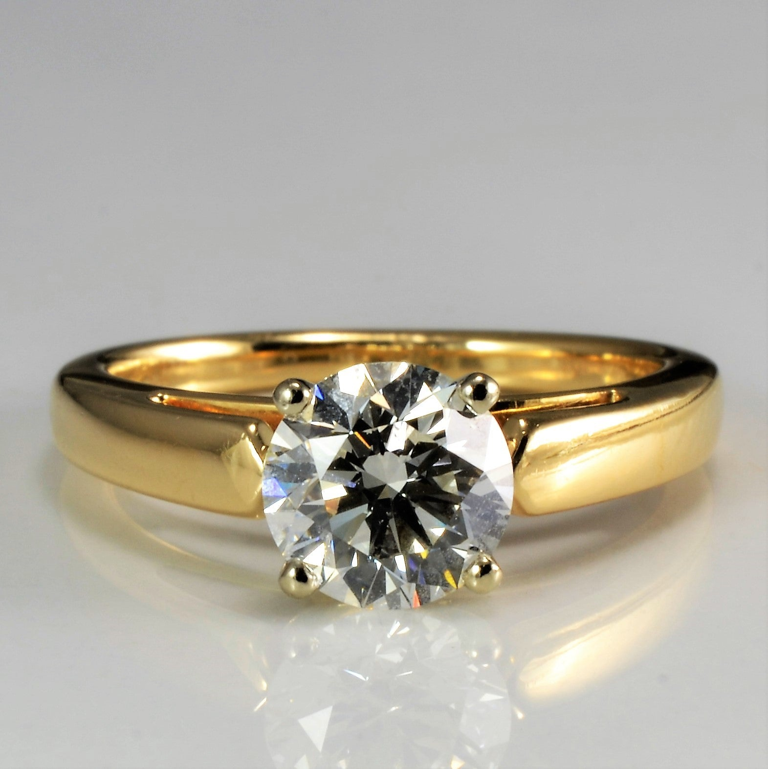 Tapered Solitaire Diamond Engagement Ring | 1.05 ct, SZ 4.5 | VVS2, I |