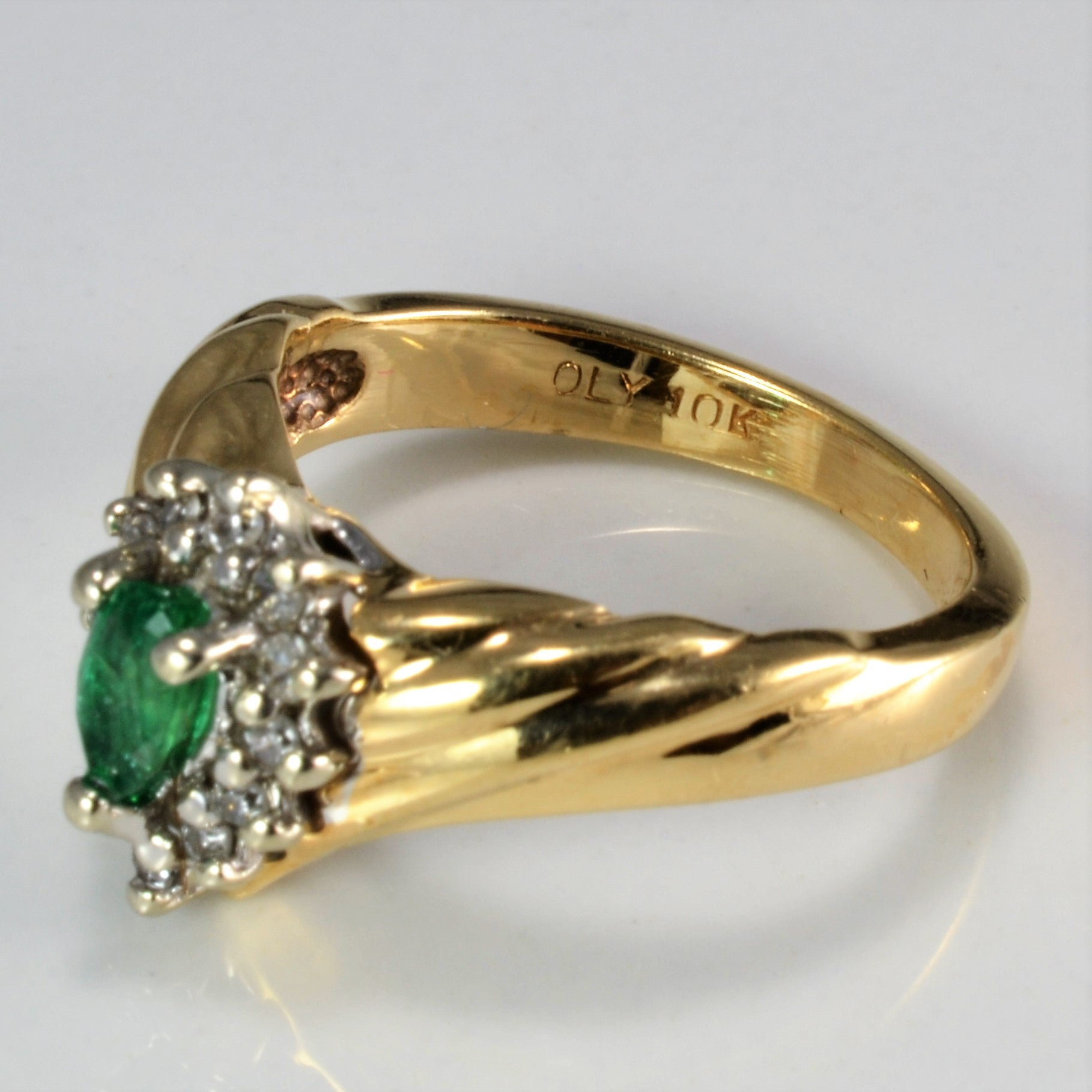 Chevron Cluster Diamond & Emerald Ring | 0.14 ctw, SZ 4.25 |