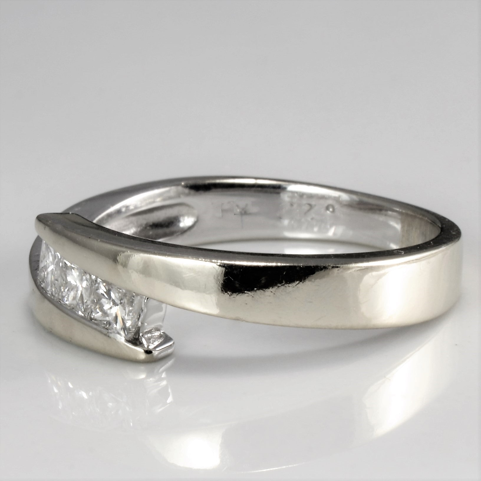 Bypass Three Stone Diamond Ring | 0.25 ctw, SZ 5 |