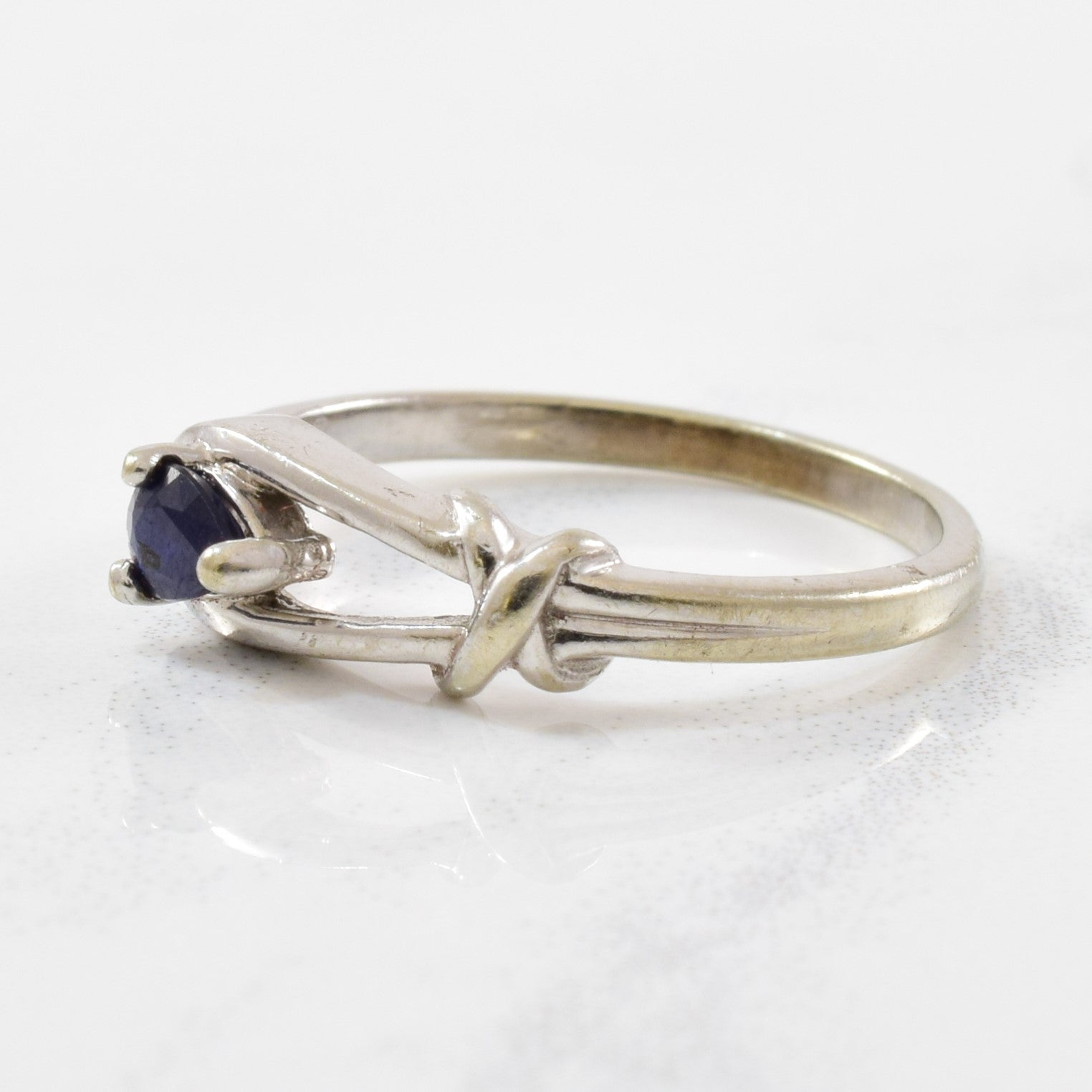 Sapphire Love Knot Ring | 0.15 ct | SZ 4.25 |