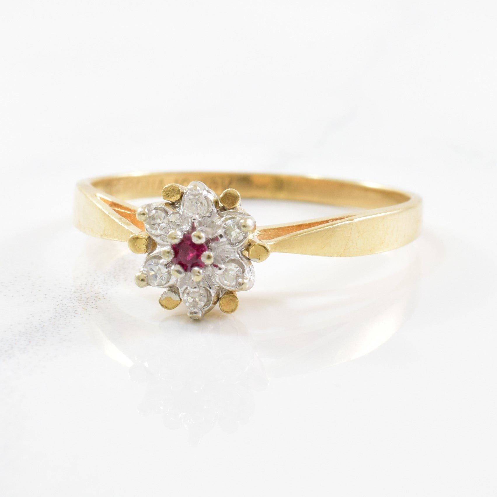 Ruby & Diamond Floral Ring | 0.03ct, 0.04ctw | SZ 6.25 |
