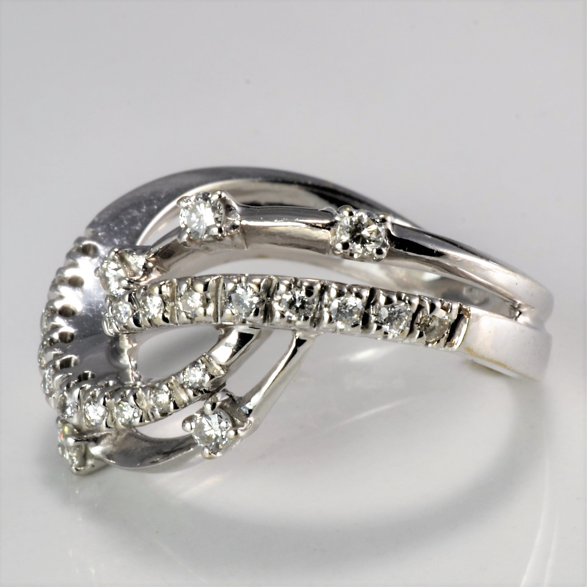 Chevron Pave Diamond Ladies Ring | 0.29 ctw, SZ 7 |