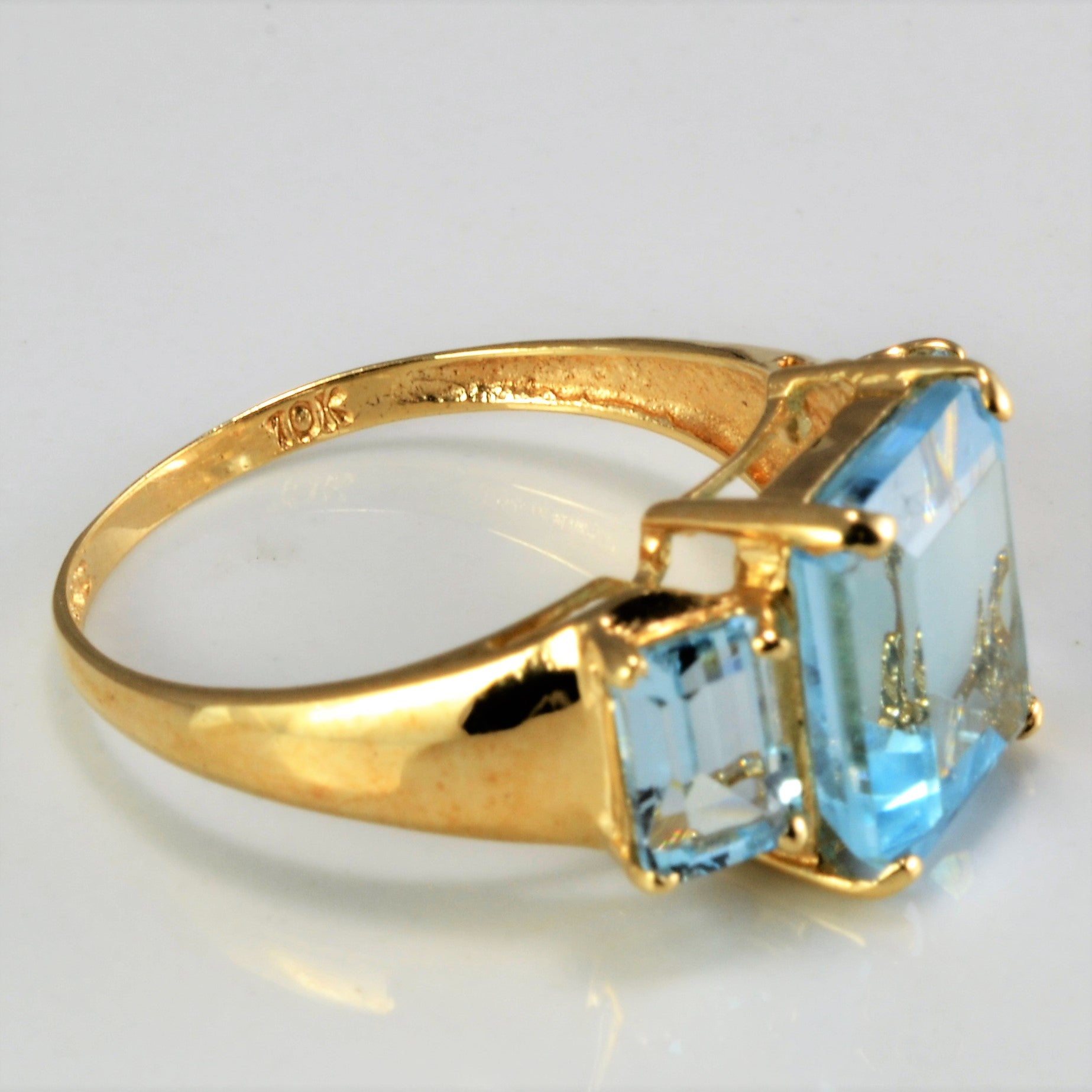 Three Stone Topaz Ring | SZ 7.5 |