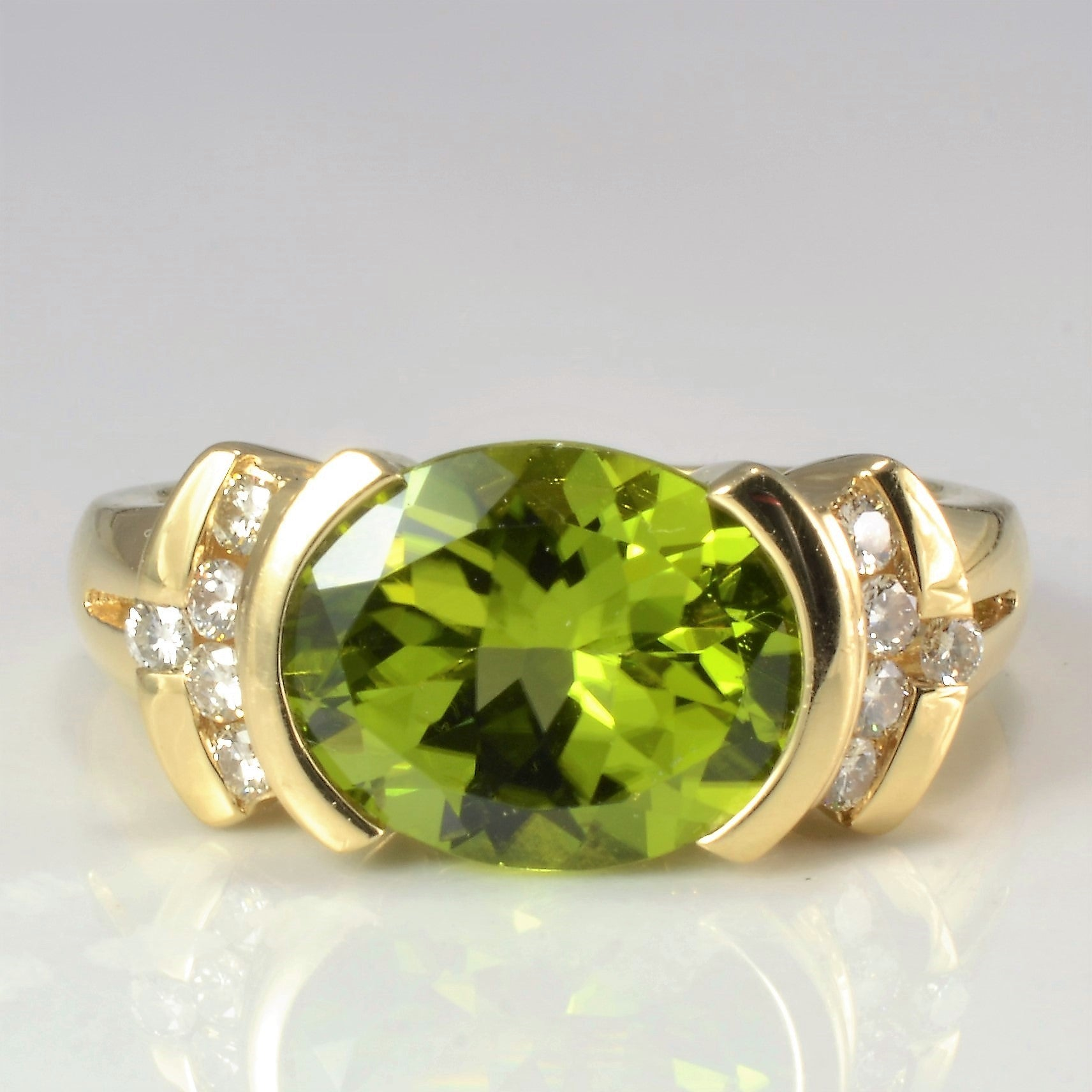Semi Bezel Peridot & Diamond Ring | 0.20 ctw, SZ 7 |