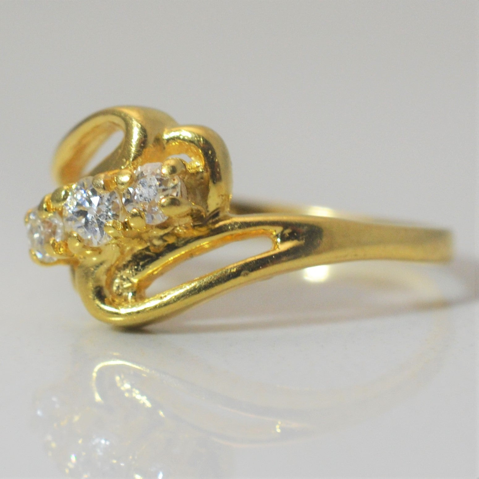 Vintage Bypass Three Stone Diamond Ring | 0.20 ctw, SZ 6.25 |