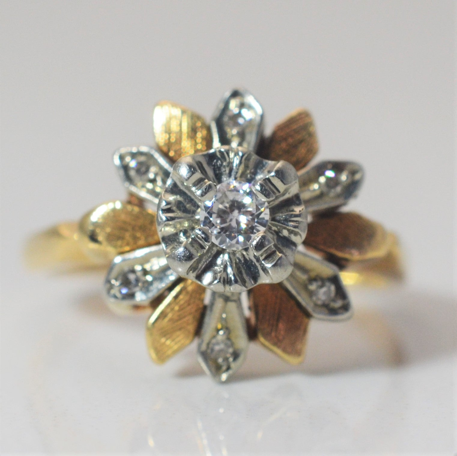 Vintage Two Tone Floral Cocktail Ring | 0.16 ctw, SZ 7 |