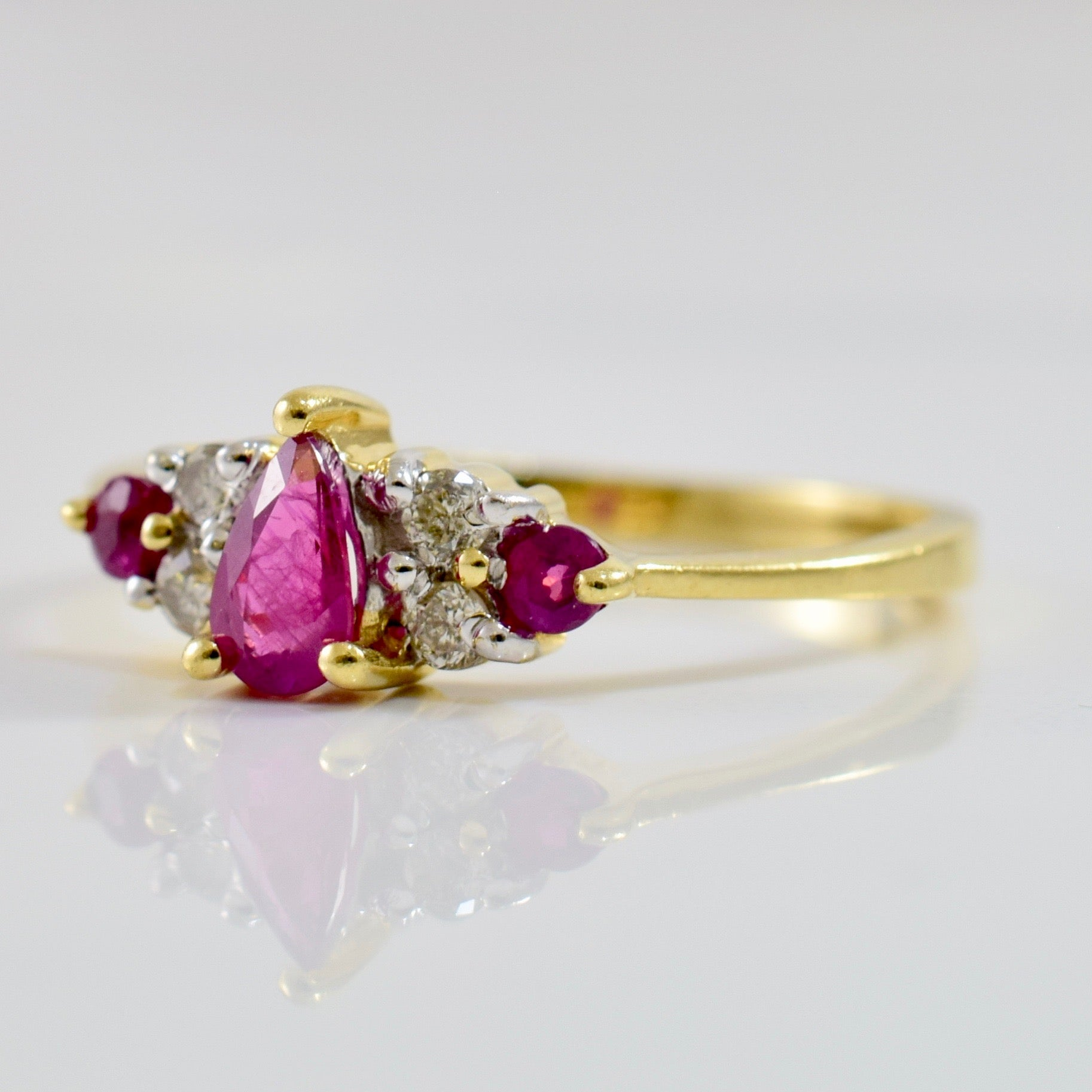 Petite Diamond and Ruby Ring | 0.08 ctw SZ 5.5 |