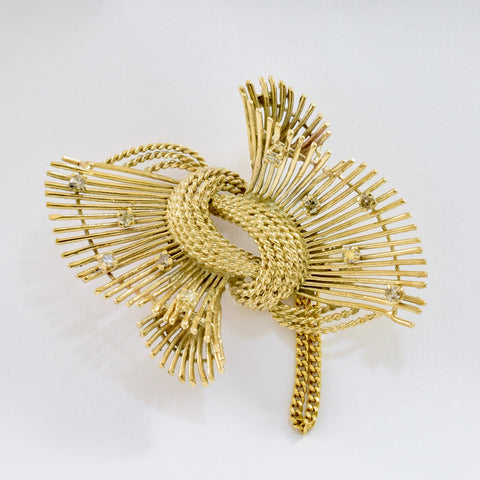 Diamond Knot Brooch | 0.40 ctw |