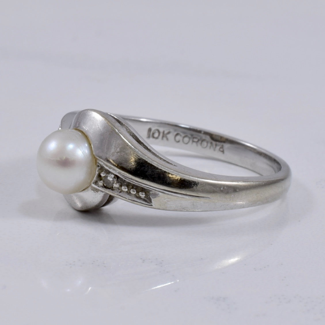 White Gold Pearl and Diamond Ring | 0.02 ctw SZ 6 |