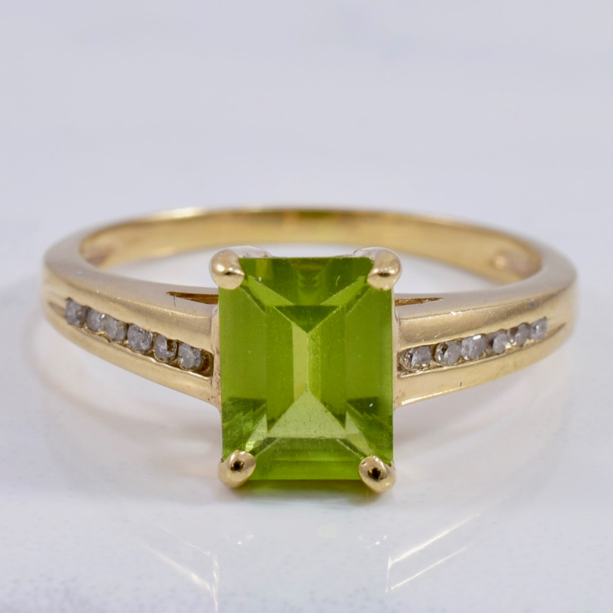 Peridot and Diamond Accent Ring | 0.08 ctw SZ 8 |
