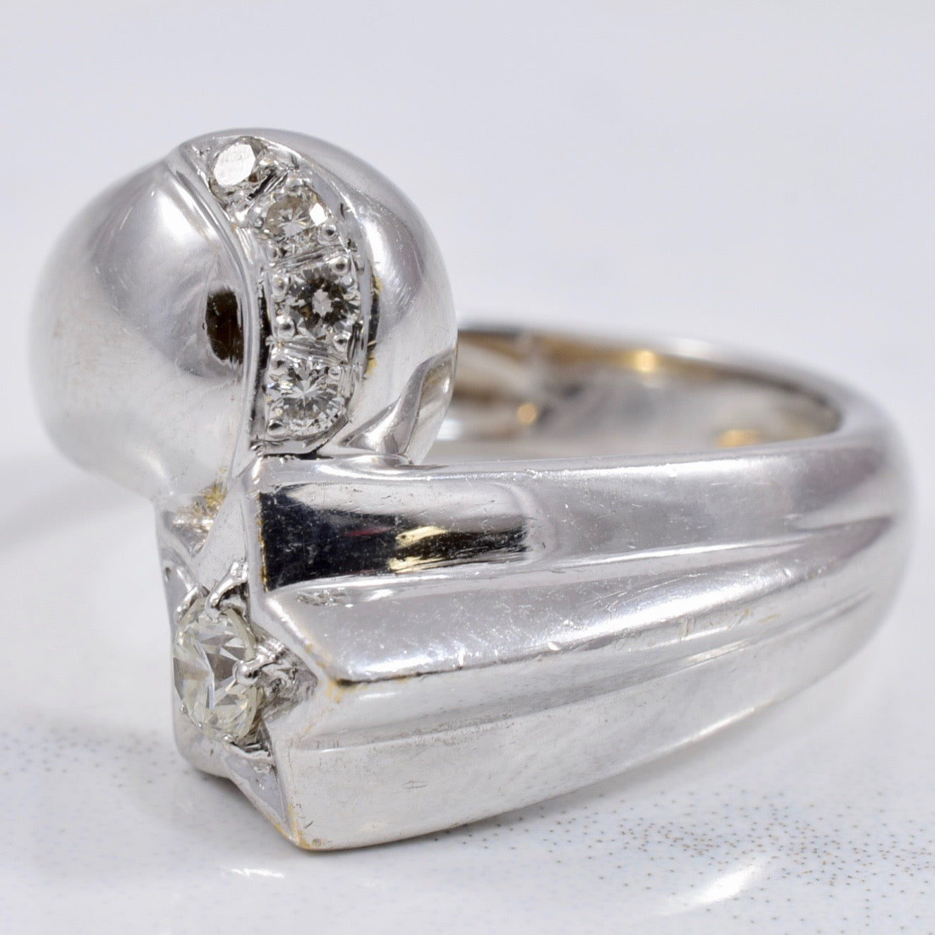 Moon and Star Diamond Ring | 0.16 ctw SZ 5.5 |