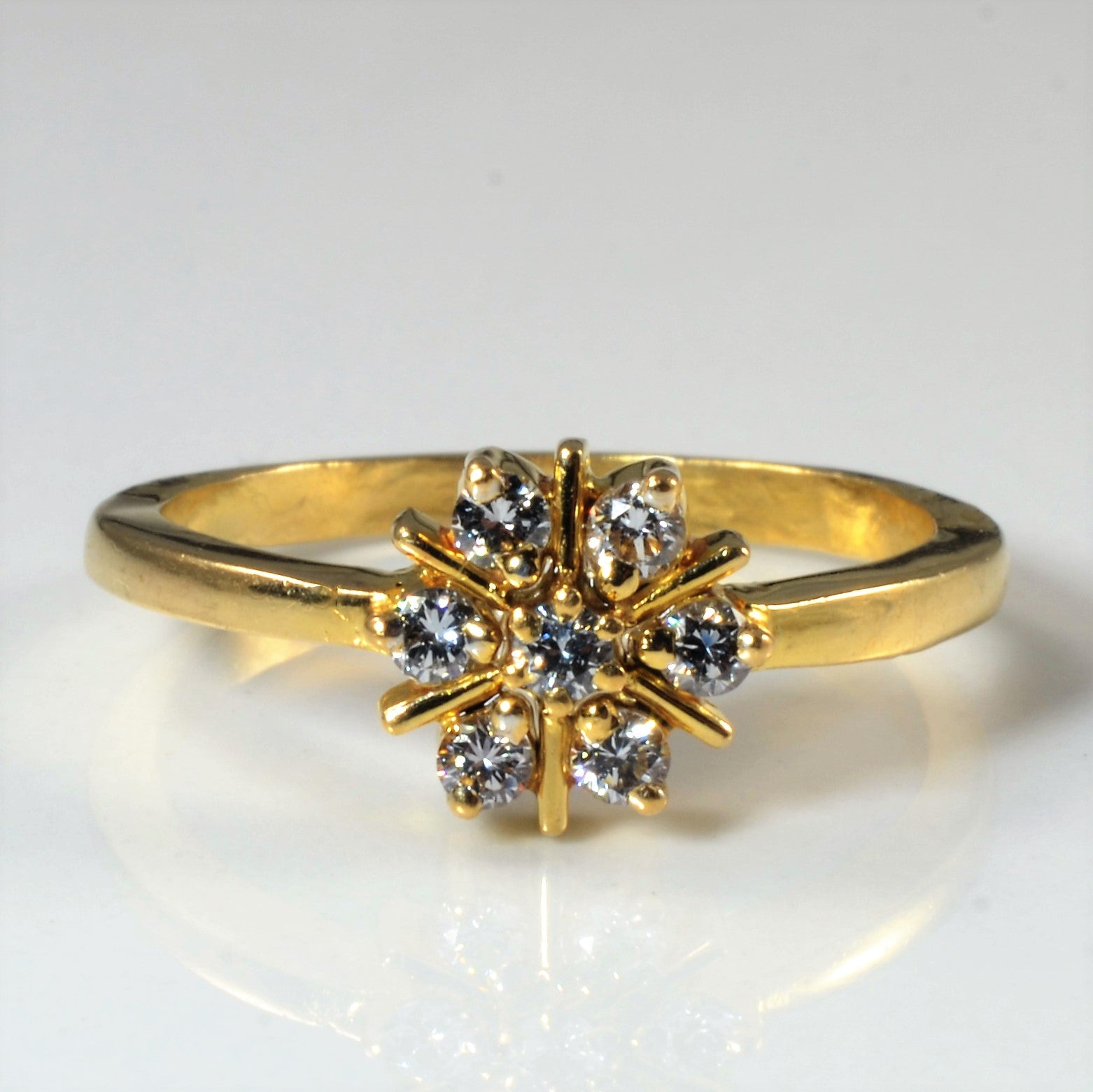 Cluster Diamond Ring | 0.28ctw | SZ 7.25 |