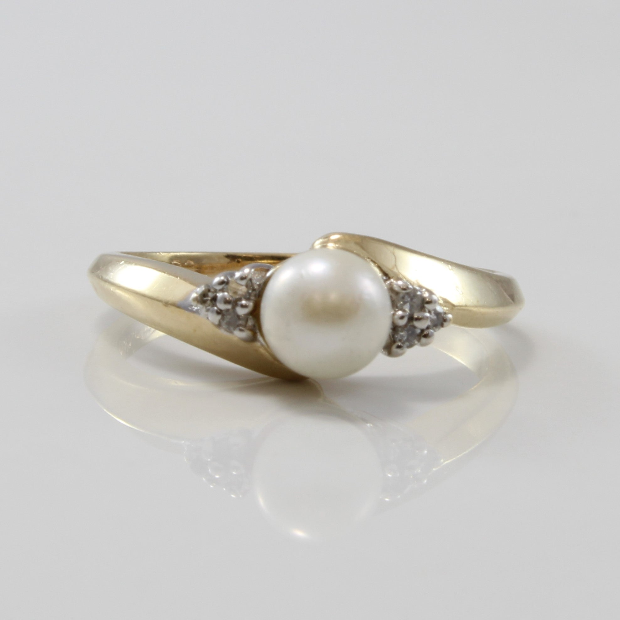 Bypass Pearl Ring Diamond Side Stones | 1.11ct, 0.03ctw | SZ 5.5 |