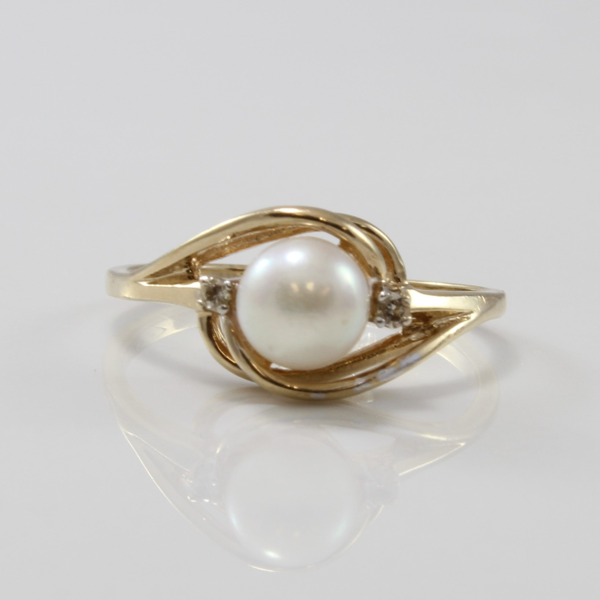Pearl Ring With Diamond Accents | 1.40ct, 0.02ctw | SZ 6.5 |