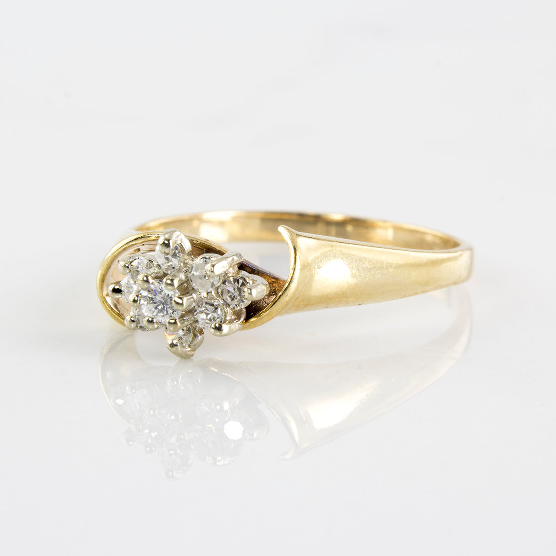 Twisted Bypass Diamond Cluster Ring | 0.15 ctw | SZ 6.25 |