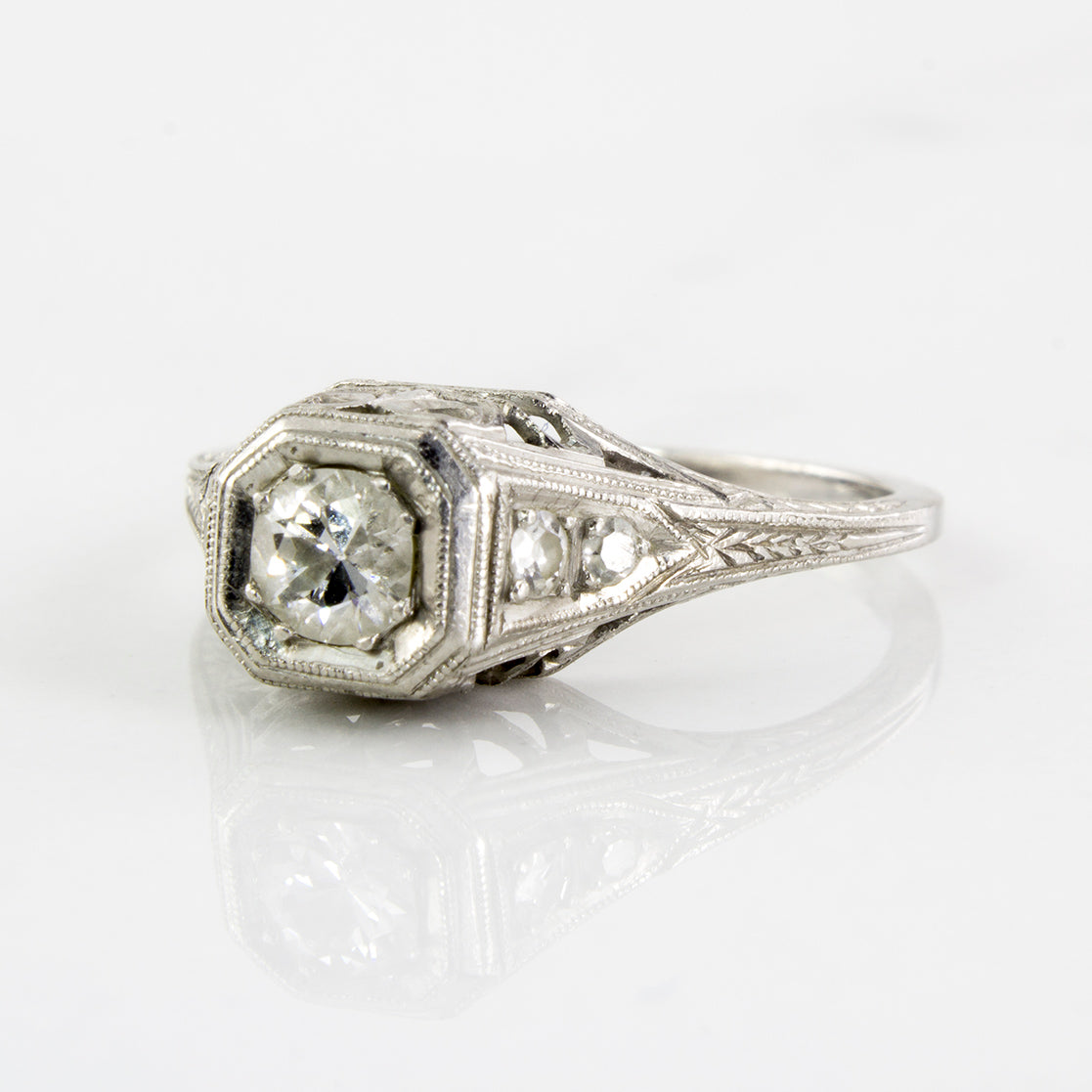 Art Deco Diamond Solitaire Ring | 0.24 ctw | SZ 5 |