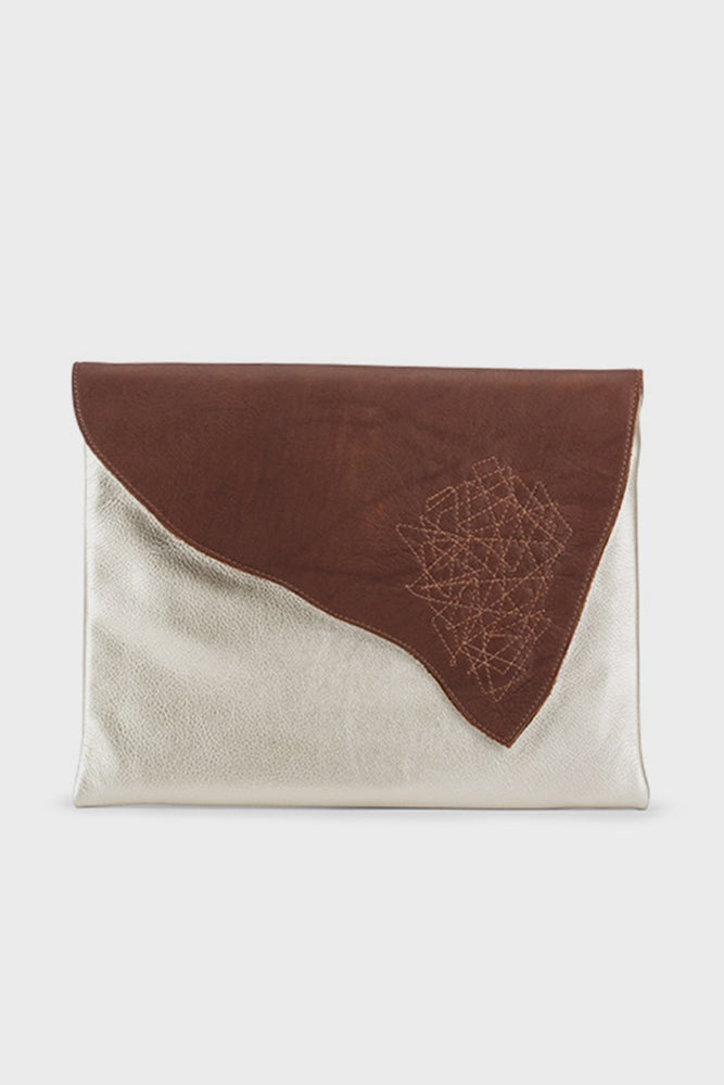 Marty Clutch Platinum/Cognac