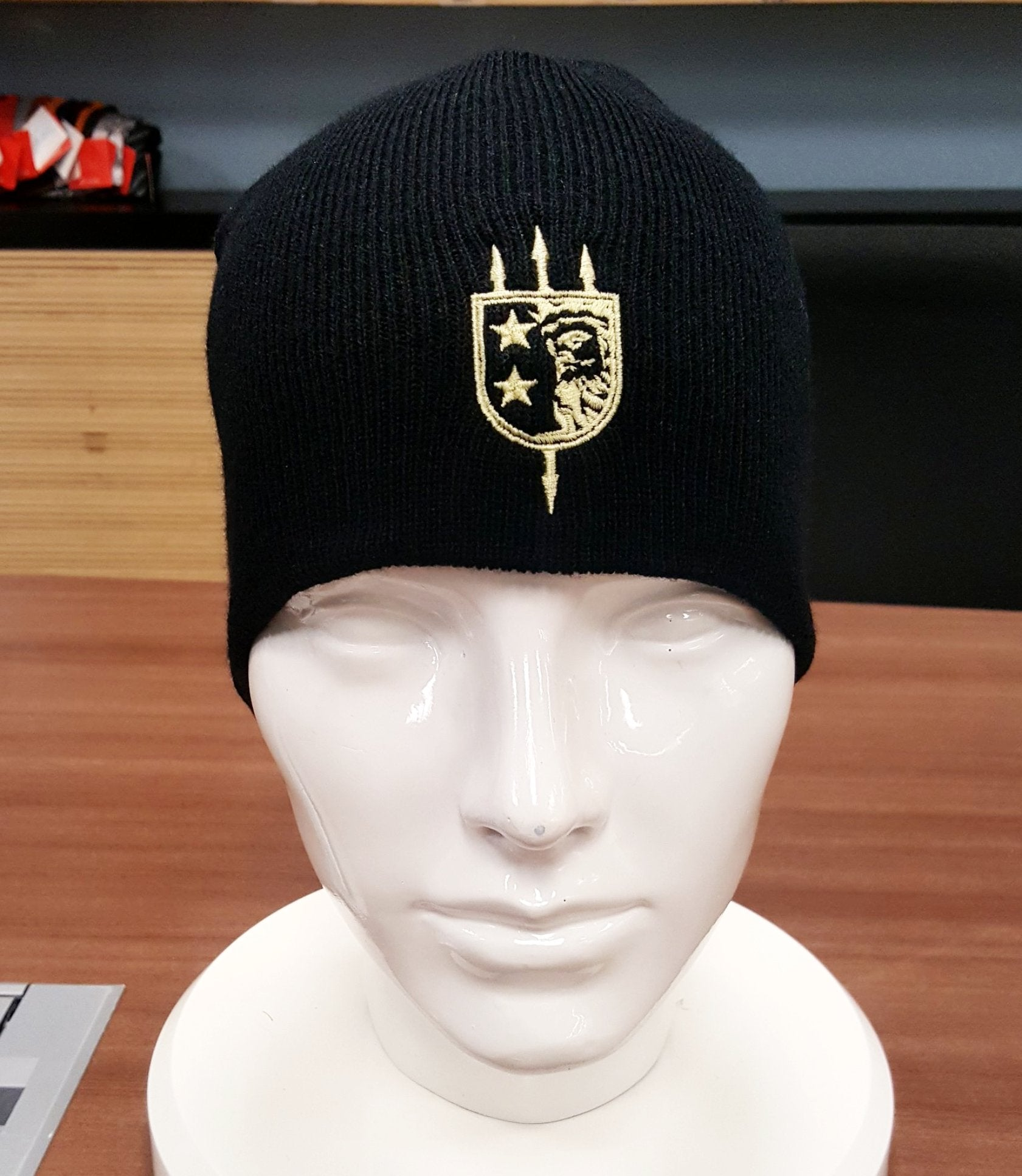 V+B LTD ALPHA BLACK BEANIE