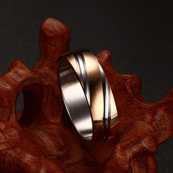 Men Titanium Ring • Twisted Step-Down Rolled Sides • Free Shipping - Design Forms Of Art
