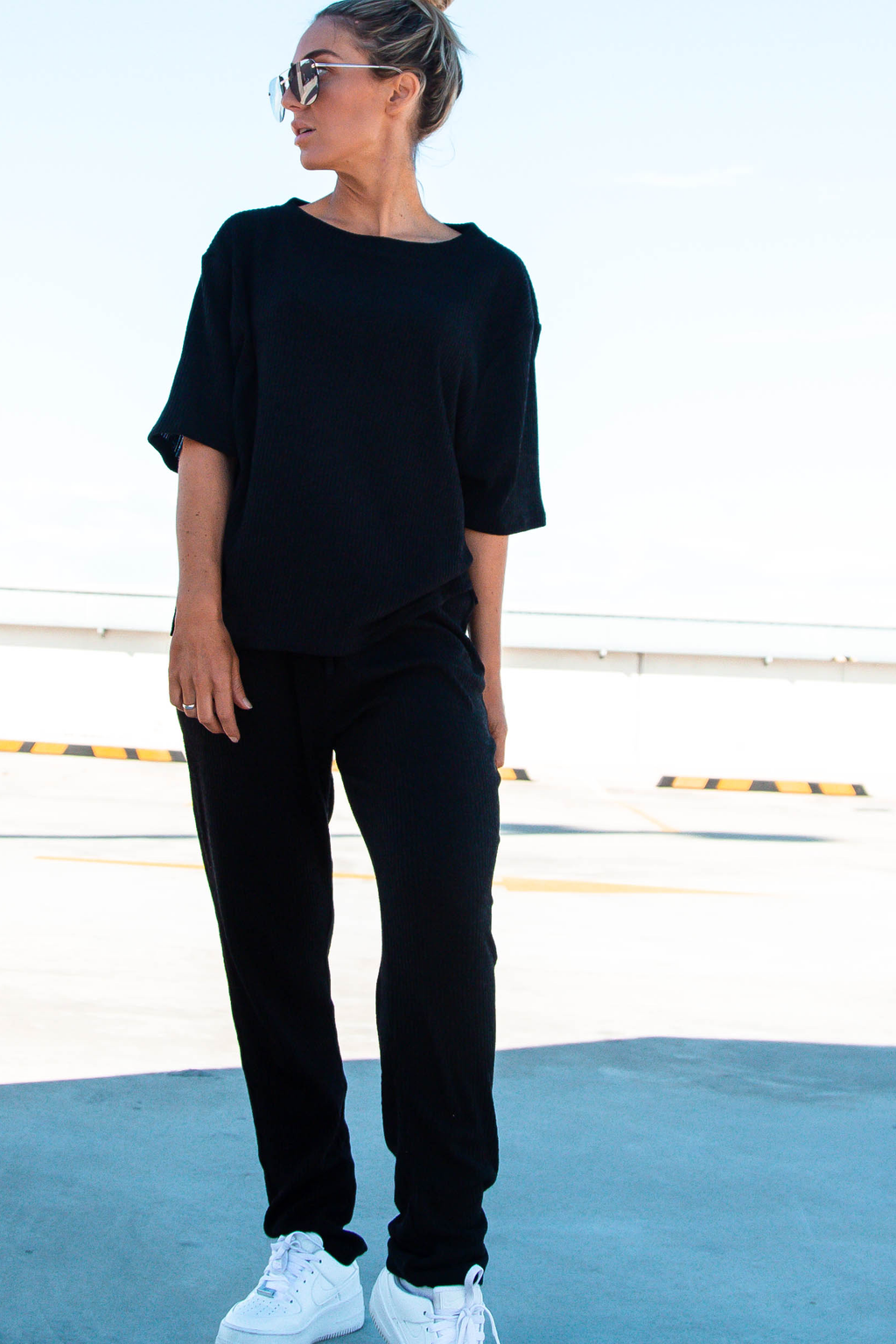 LOUNGE Ribbed Pants  (N.Y.C Black)