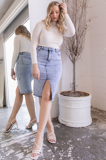 Lola Denim Skirt (Light Wash)