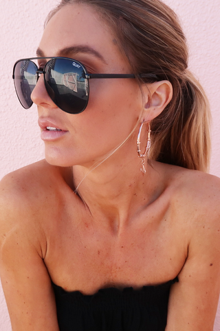 QUAY Viveanne Sunnies (Black)