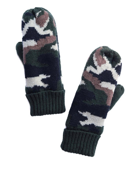 Camo Mittens - The Green Shelf Boutique