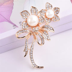 Flower Shape Pearl Brooch