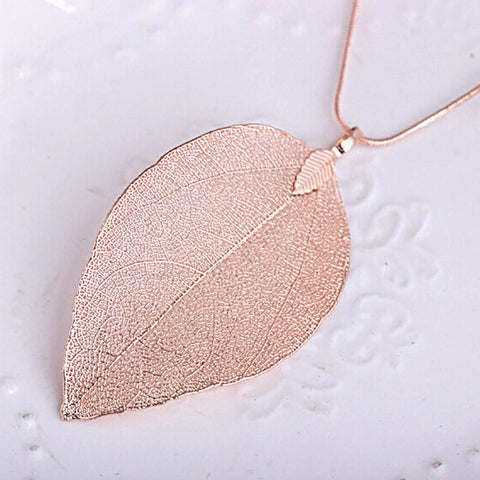 Image of Women's Leaf Pendant Long Chain Necklace