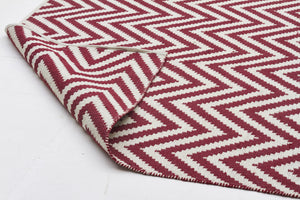 Modern Flatweave Chevron Design Red Rug