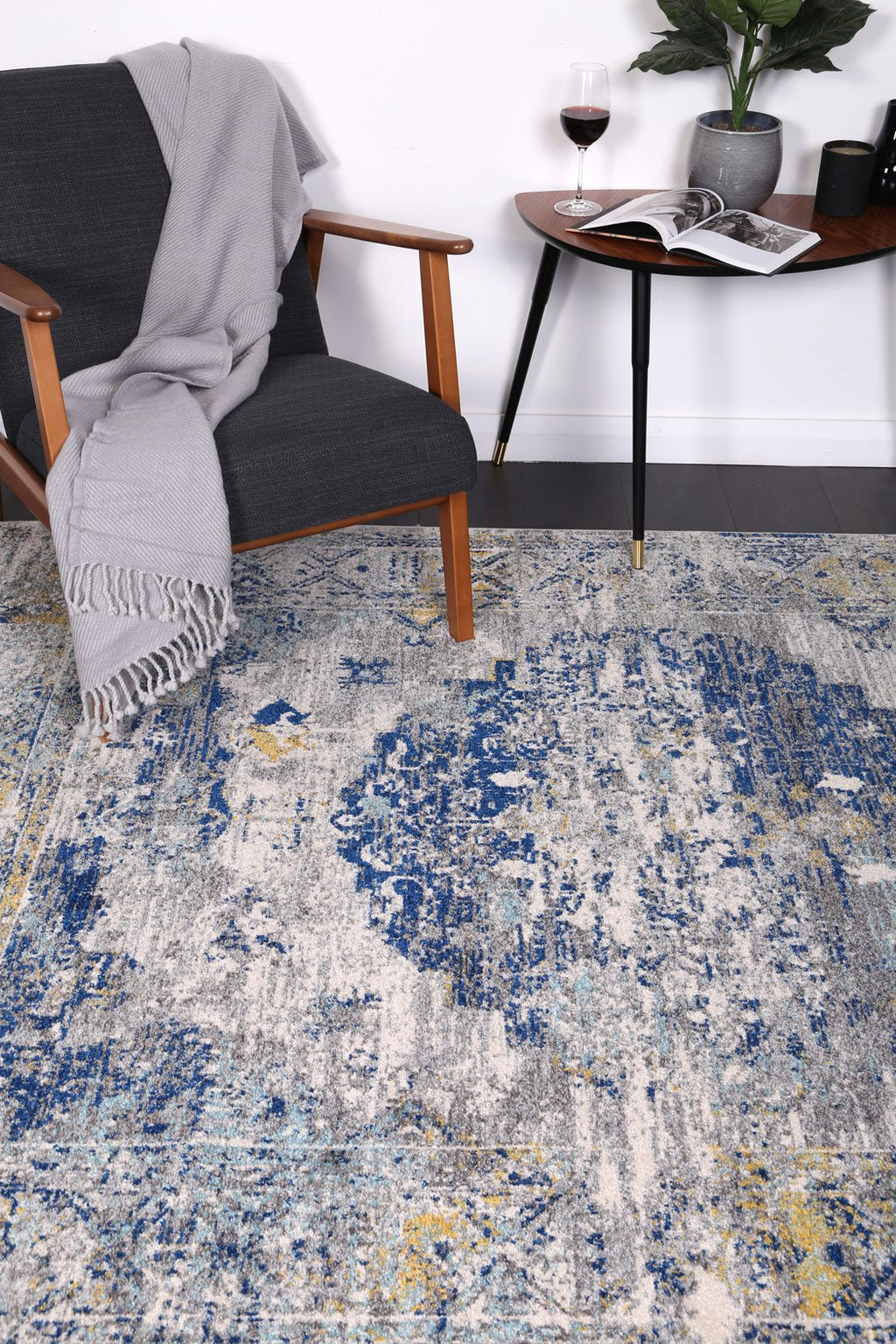 Graceful Distressed Blue Green Rug