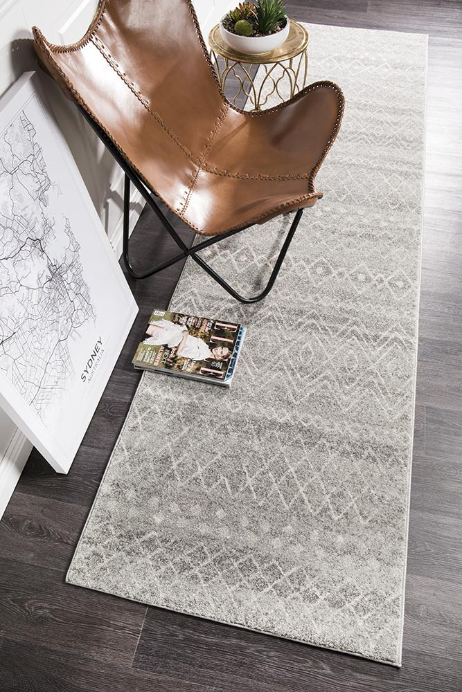 Gynama Grey Rustic Tribal Runner Rug