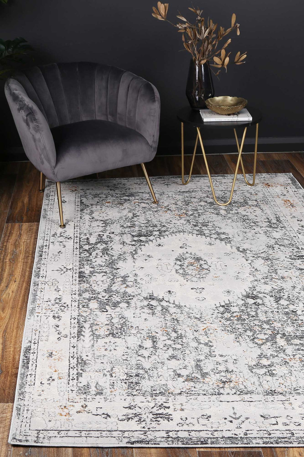Isaiah Traditional Grey Rug