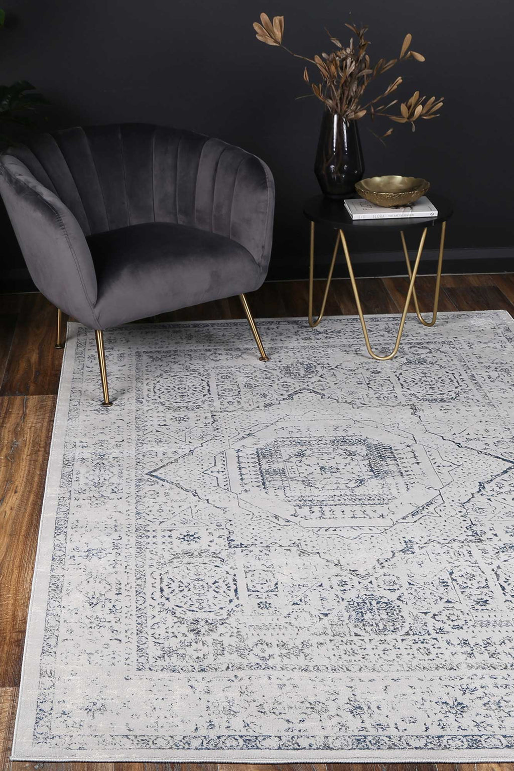 Isaiah Navy Traditional Rug