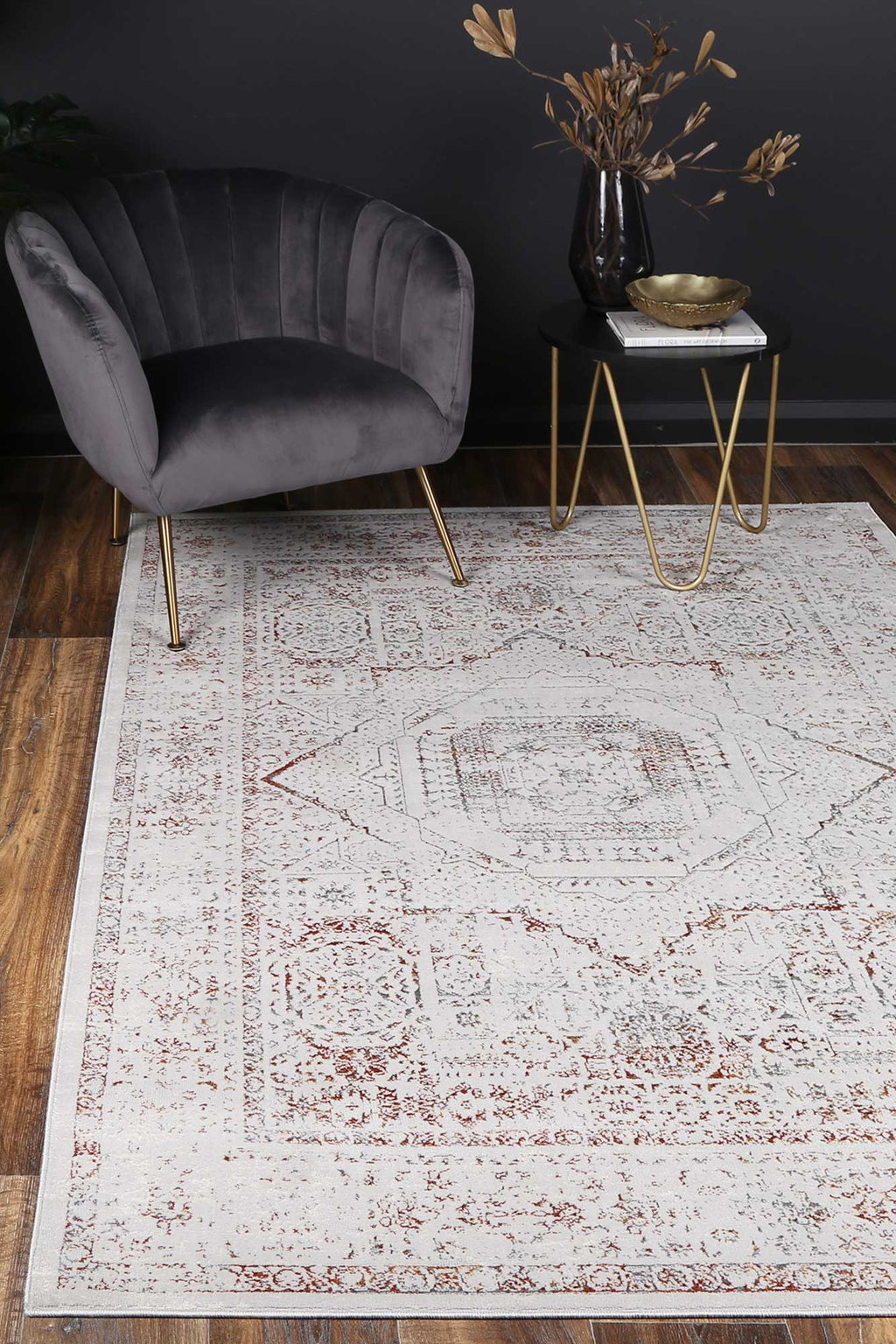 Isaiah Rust Traditional Rug