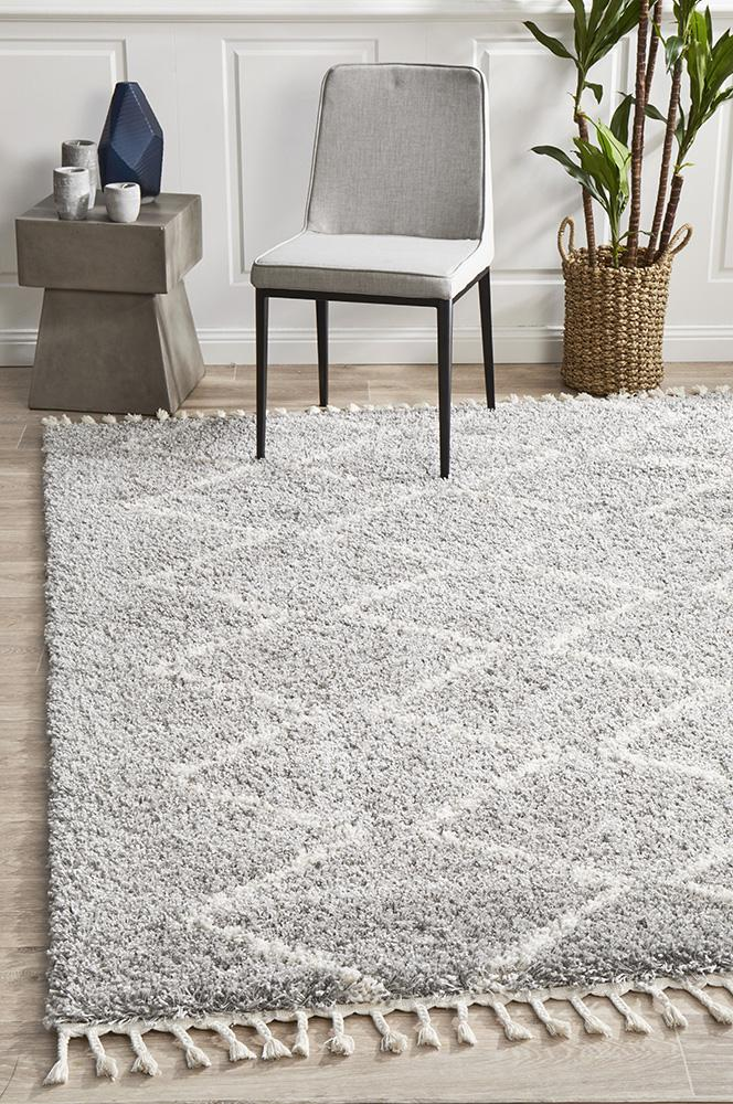 Xanthous Silver Rug
