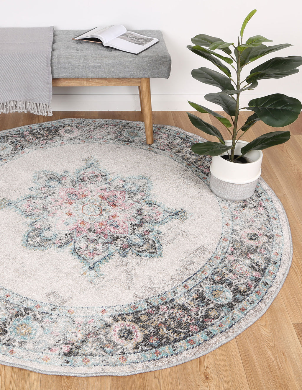 Chamber Room Transitional Cream Round Rug